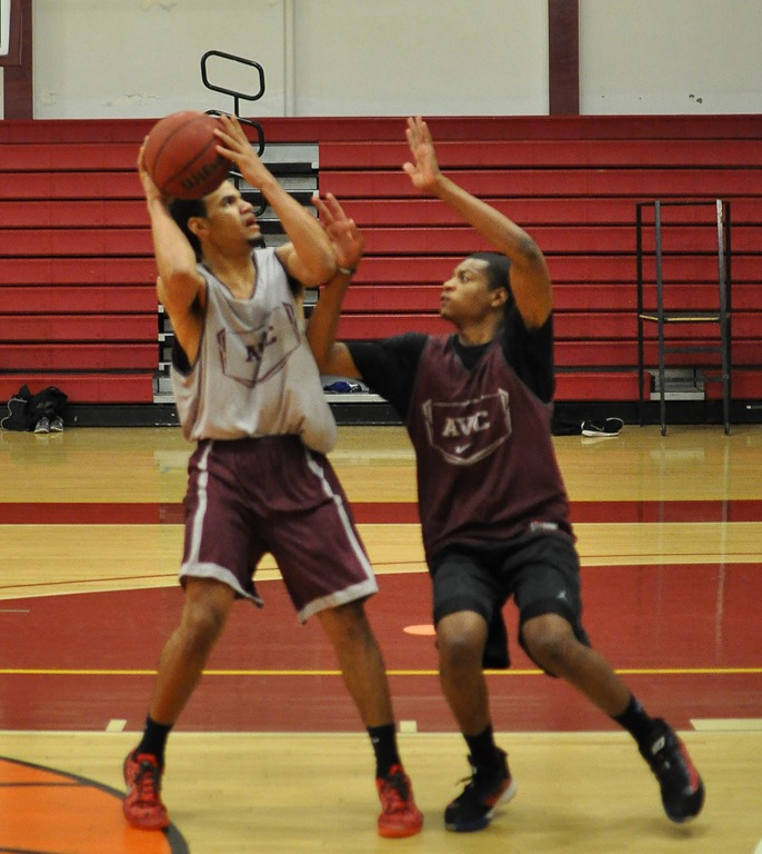 "Big Weekend In High School Basketball: KJ Moffett, 6'2"", 185, Freshman"